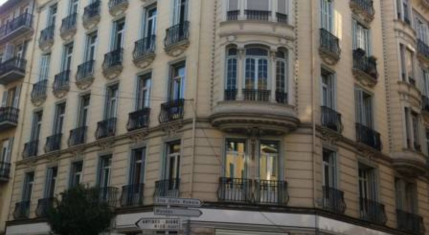 Comfort hotel azur riviera nice for Maison hote nice
