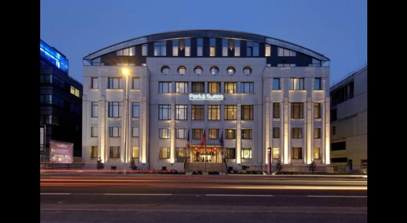 H tel villages hotel espace lyon for Hotel park et suite