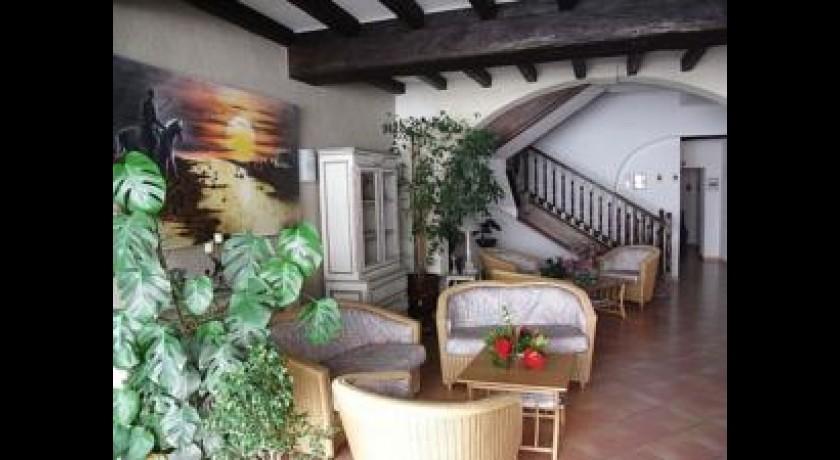 H tel restaurant le mas des piboules fourques - Hotel porte de camargue arles provence ...