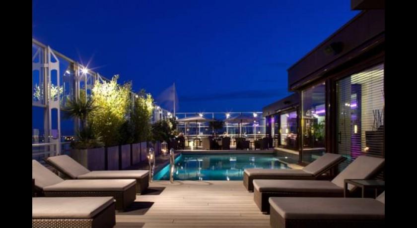 Hotel sofitel montpellier antigone for Hotel piscine montpellier