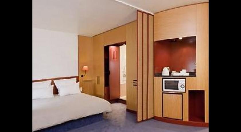 orange rueil malmaison facebook with orange rueil. Black Bedroom Furniture Sets. Home Design Ideas