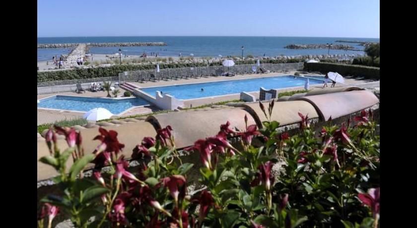 hotel le dauphin bleu saintes maries de la mer. Black Bedroom Furniture Sets. Home Design Ideas