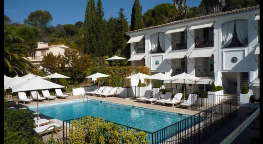 Hotel l 39 auberge des cayrons vence - Petit jardin hotel san juan saint paul ...