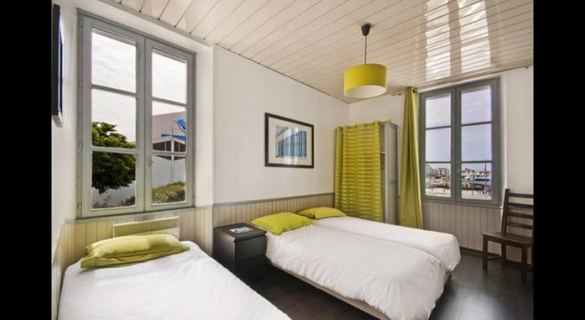 flux hotel l 39 ile d 39 yeu. Black Bedroom Furniture Sets. Home Design Ideas