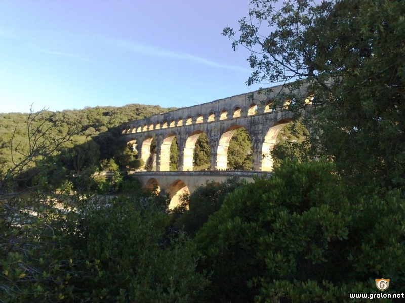 Tourisme n mes informations n mes for Pont du gard architecte