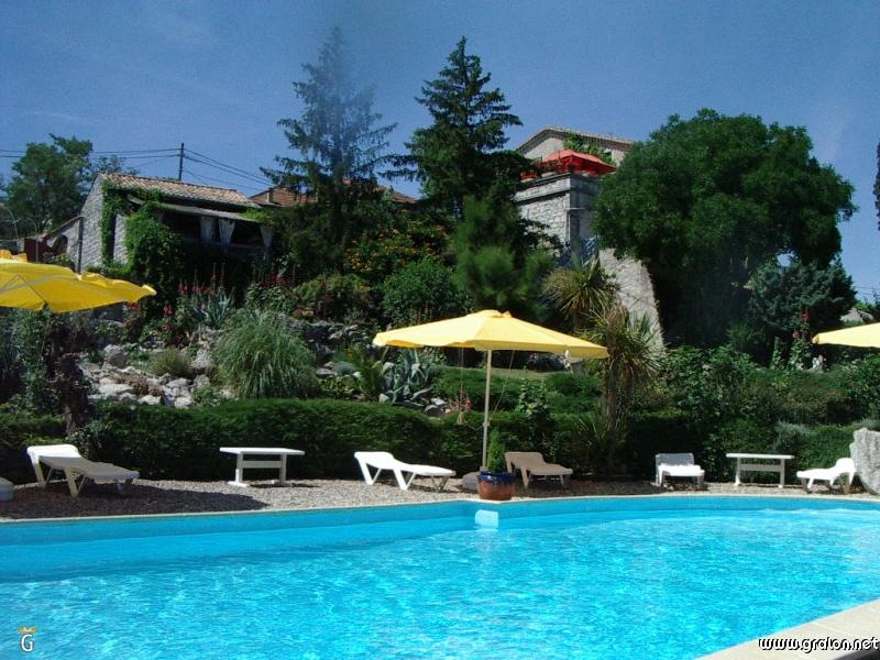Tourisme chauzon informations chauzon for Ardeche gites piscine