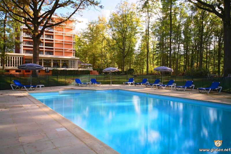 Tourisme melun informations melun for Piscine sequoia lodge