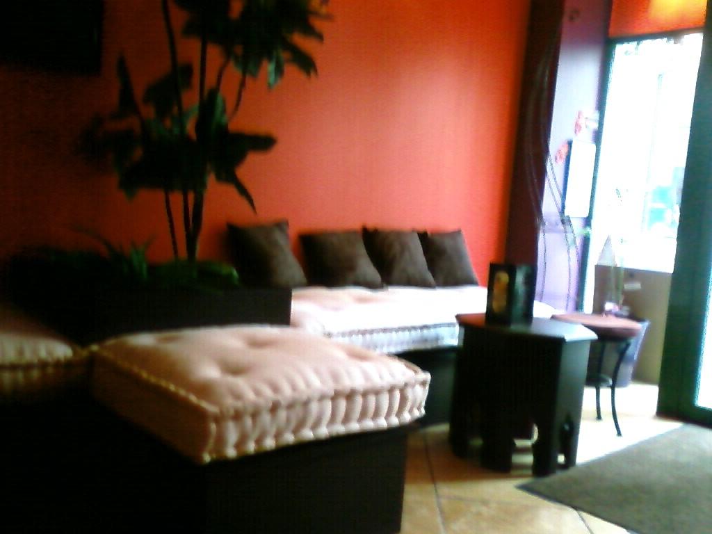restaurant la villa fontainebleau. Black Bedroom Furniture Sets. Home Design Ideas