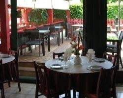 restaurant l 39 effet jardin lattes. Black Bedroom Furniture Sets. Home Design Ideas