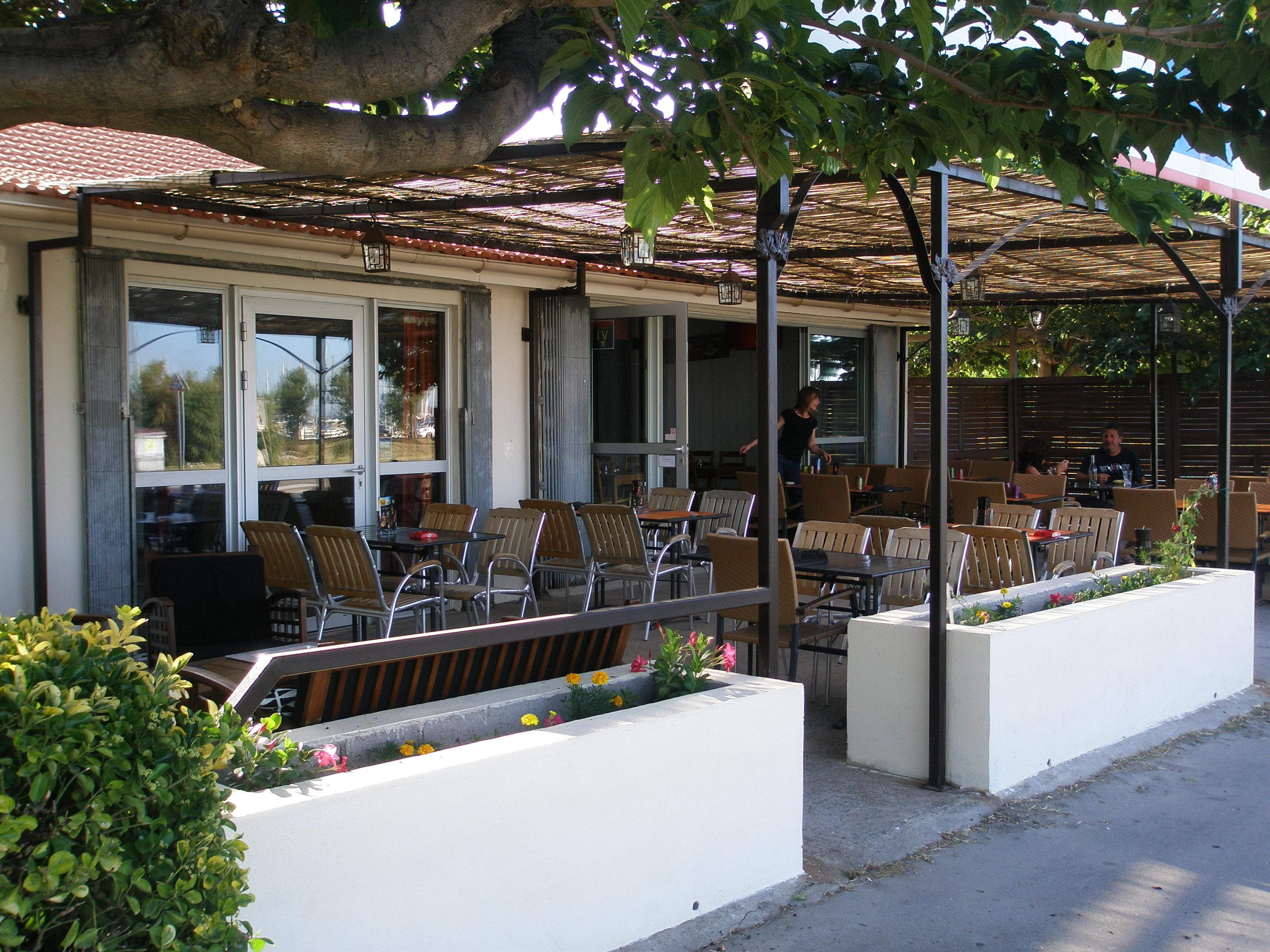 Restaurant la part gue port saint louis du rh ne - Restaurant port saint louis du rhone ...