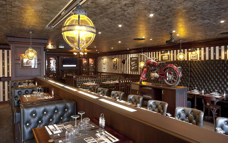 restaurant le troubadour clermont dessous. Black Bedroom Furniture Sets. Home Design Ideas