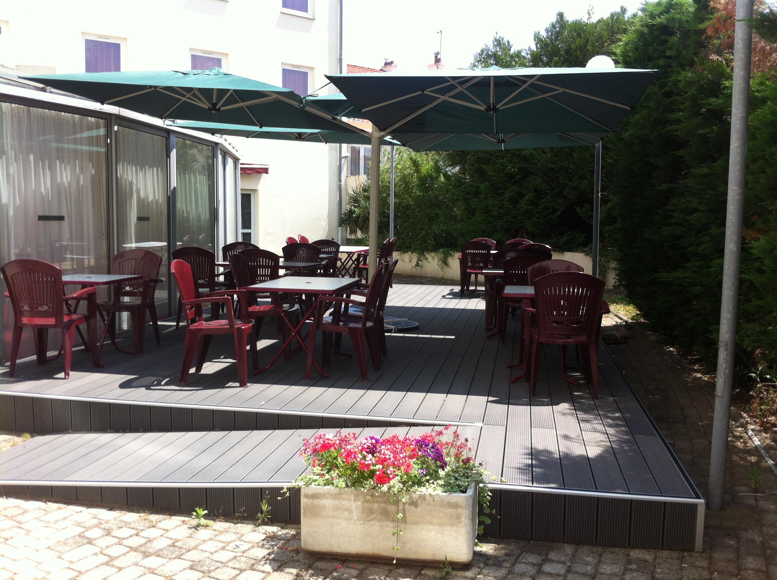 restaurant le moulin blanc clermont ferrand. Black Bedroom Furniture Sets. Home Design Ideas