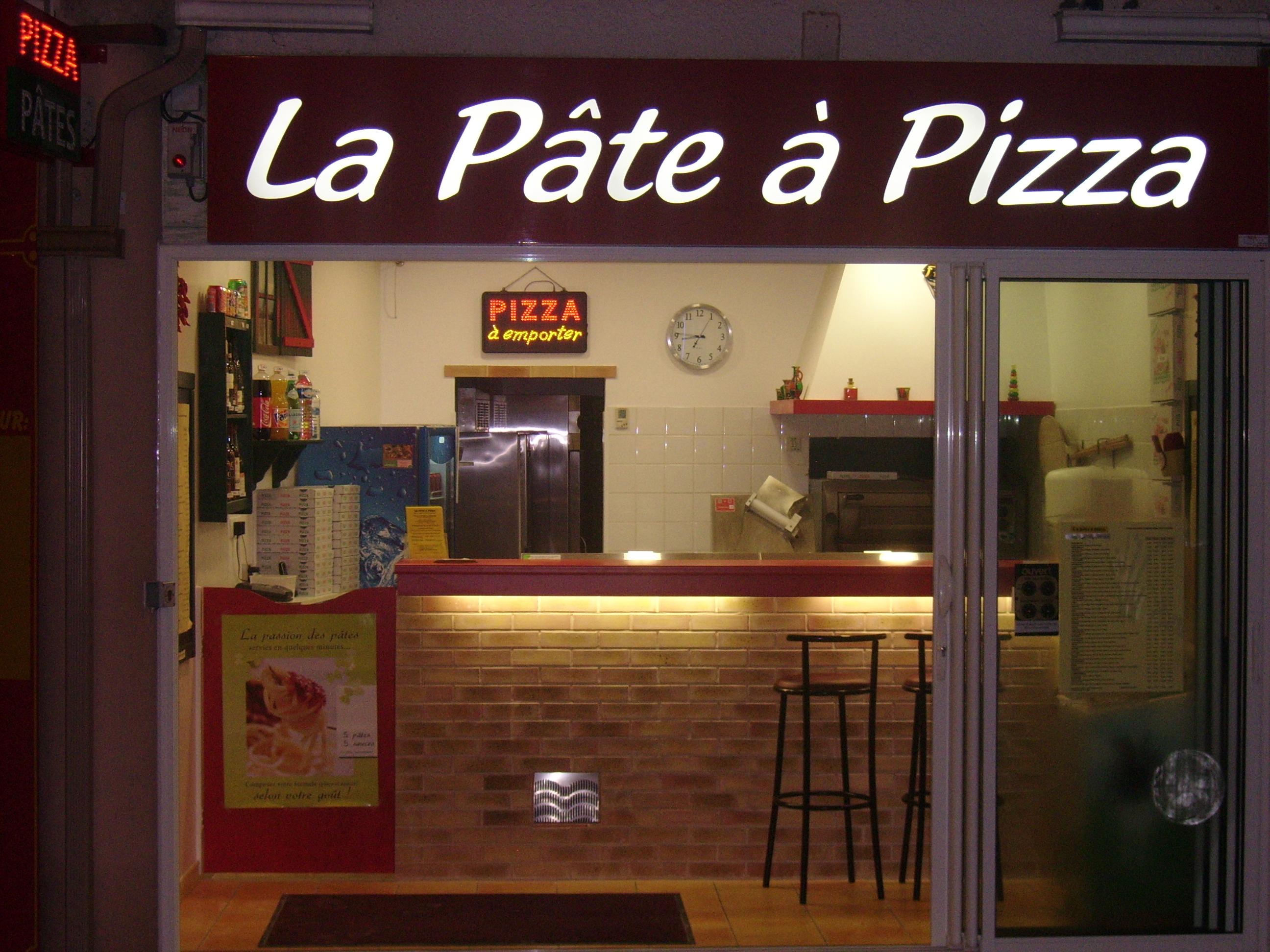 La pate a pizza cyprien 28 images p 226 te 224 pizza for A la maison restaurant