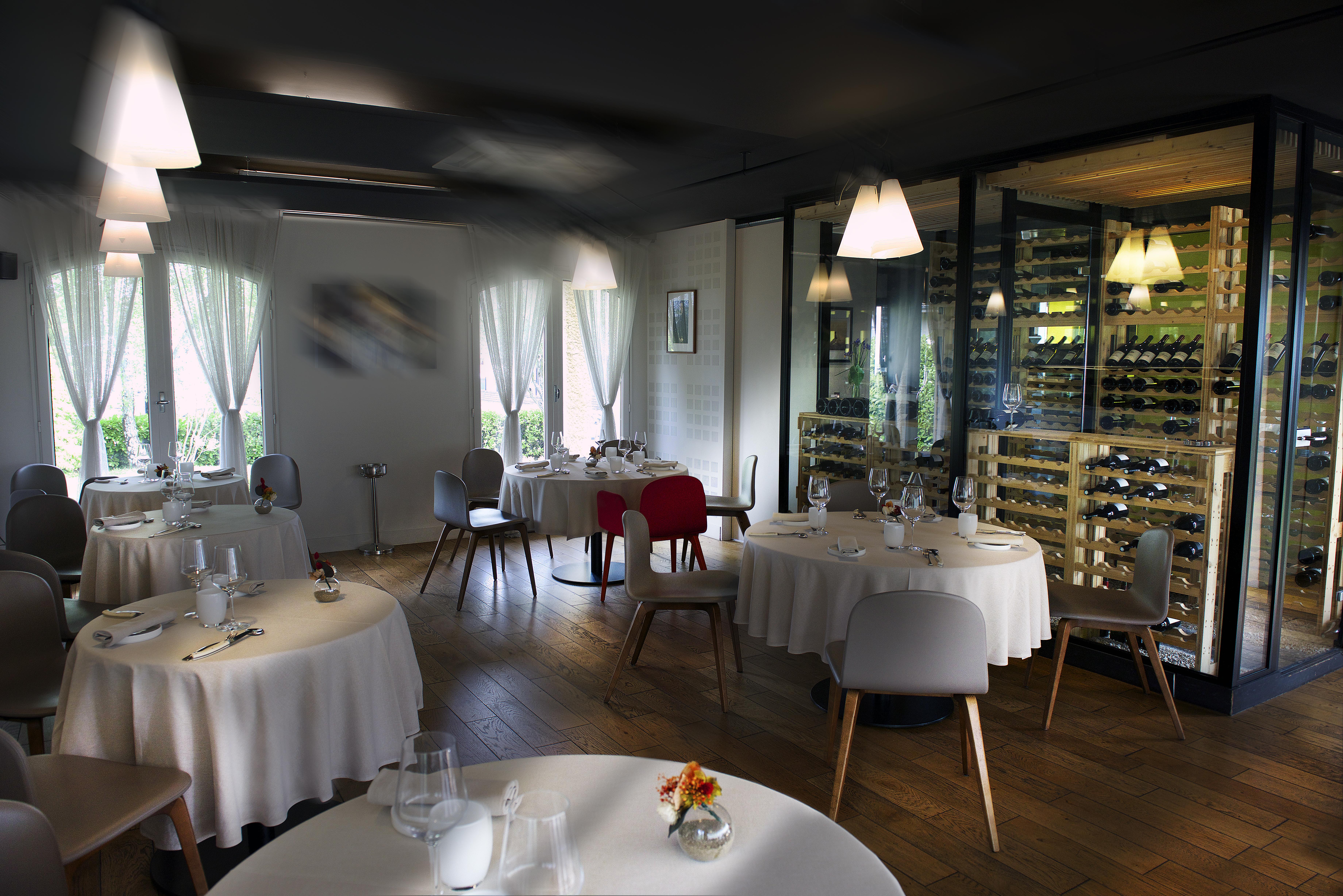 couleurs et frappant choisir le dernier détaillant en ligne restaurant PARADOXE Cenon