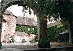 Restaurant le surcouf blain for Auberge de la maison blanche