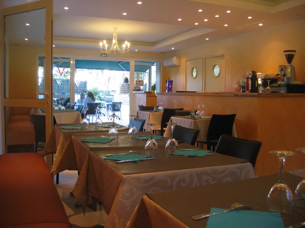 Restaurant le saint loi ar s for Ares cuisine st bruno