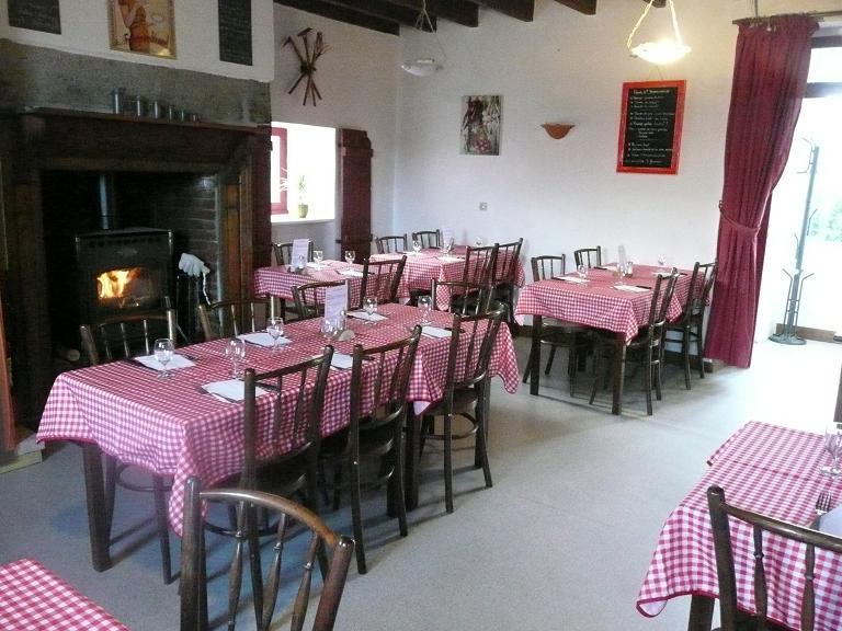 Restaurant La Place De Villecroze