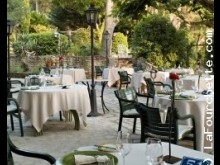 H�tel Restaurant Auberge de Noves