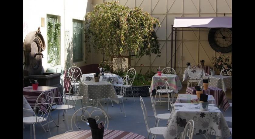 Restaurant mon jardin secret saint etienne restaurant saint etienne - Deco jardin secret saint etienne ...