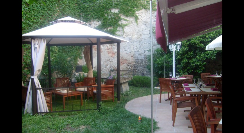 Restaurant au jardin de tienou pierrelatte for Resto au jardin