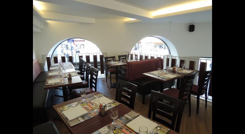 restaurant brasserie la lune clermont ferrand. Black Bedroom Furniture Sets. Home Design Ideas