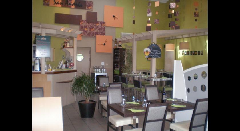 restaurant san andrea saint andr de la marche. Black Bedroom Furniture Sets. Home Design Ideas