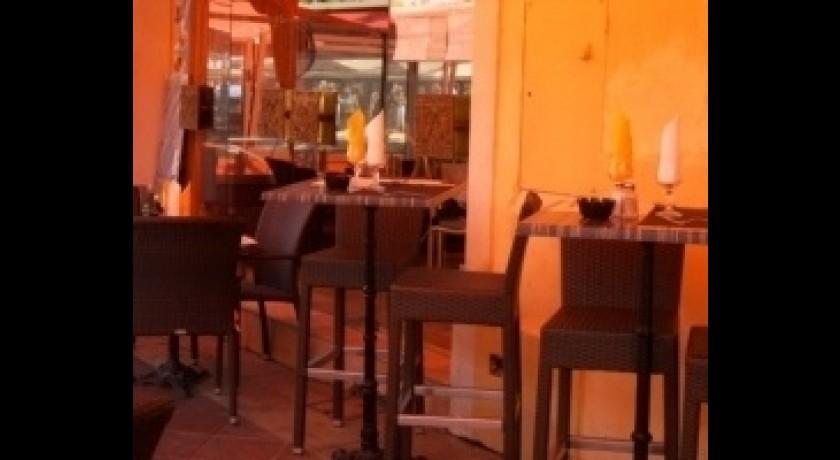 restaurant le gustoso nice. Black Bedroom Furniture Sets. Home Design Ideas