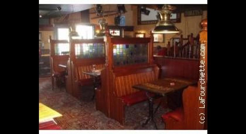 Vue sur le bar de au bureau colombes photo de o pub colombes
