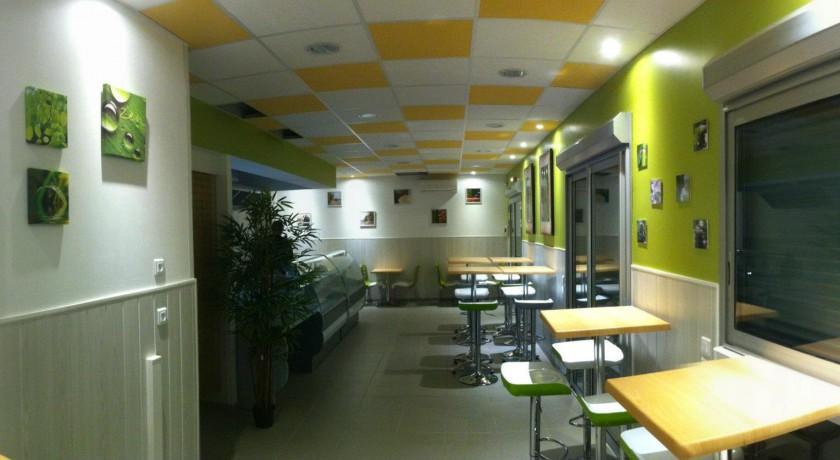 restaurant la fleur de l 39 hortus saint cl ment de rivi re. Black Bedroom Furniture Sets. Home Design Ideas