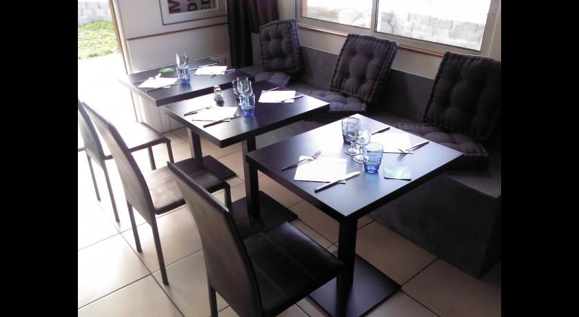 restaurant l 39 esplanade fontenay sur loing. Black Bedroom Furniture Sets. Home Design Ideas