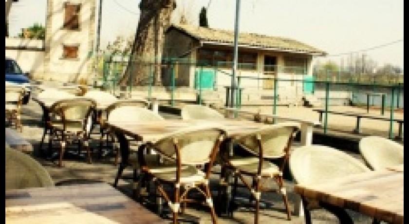 Restaurant fran ais le restaurant du port saint pierre de - Restaurant du port st pierre de boeuf ...