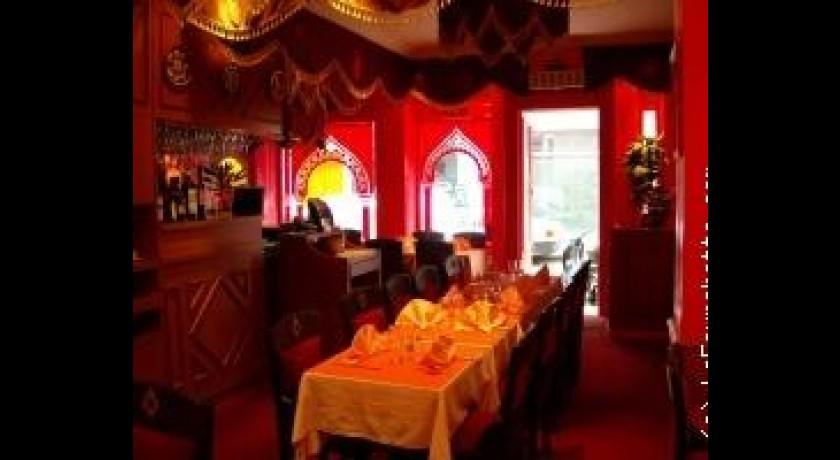 restaurant maison du kashmir paris. Black Bedroom Furniture Sets. Home Design Ideas