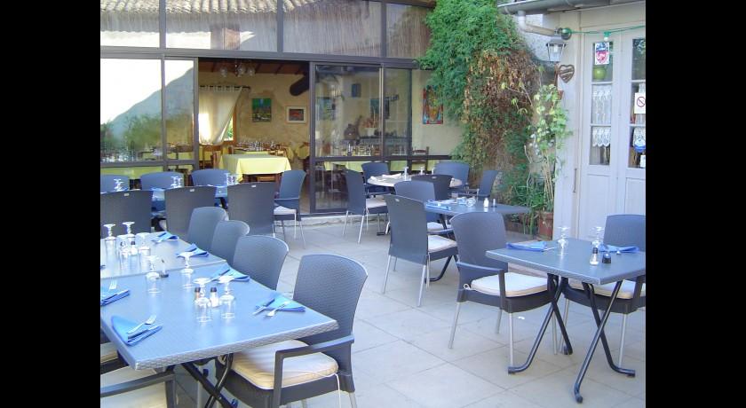 Restaurant C�t� Vignes Beaumes-de-venise restaurant Beaumes-de-Venise