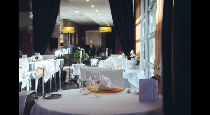Restaurant Fran U00e7ais Hotel Restaurant La Fauceille Perpignan