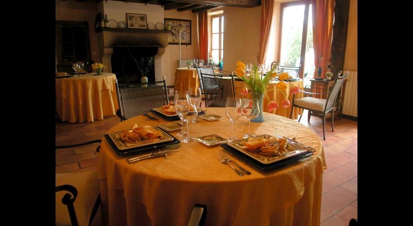 Restaurant le richebourg saint germain laval restaurant for Equipement restaurant laval