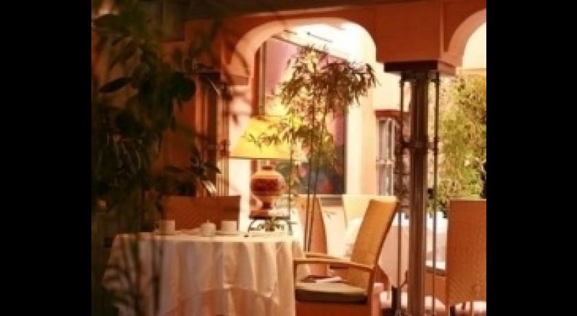 restaurant roi th odore porto vecchio. Black Bedroom Furniture Sets. Home Design Ideas