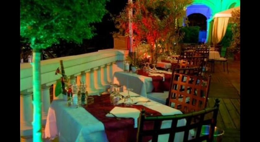 restaurant casino de grasse grasse. Black Bedroom Furniture Sets. Home Design Ideas