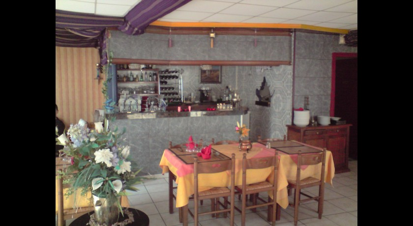 restaurant l 39 orient 39 halle bray sur seine. Black Bedroom Furniture Sets. Home Design Ideas