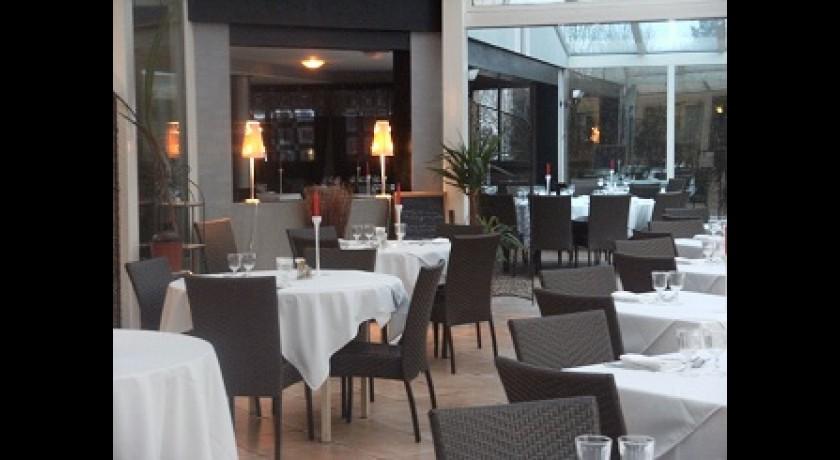 Restaurant del 39 r gia lieusaint for Piscine carre senart