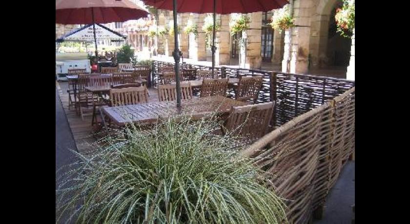 Restaurant brasserie montaigne plombi res les bains for Bains les bains restaurant