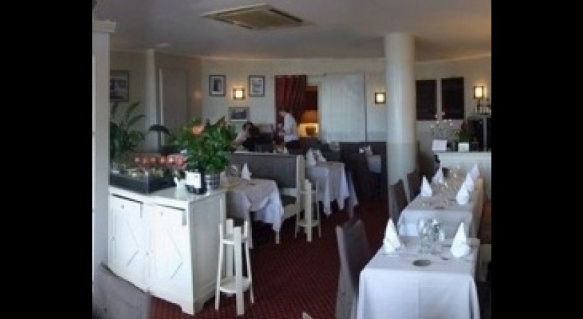 Restaurant c t sud le touquet paris plage for Restaurant le jardin touquet