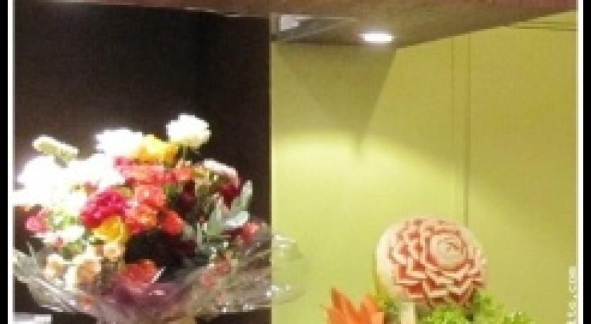 restaurant noynoy paris. Black Bedroom Furniture Sets. Home Design Ideas
