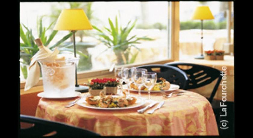 Restaurant Le Cours  Ef Bf Bd Saint Gilles