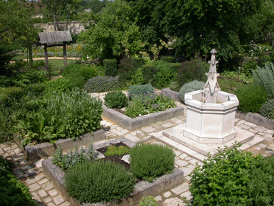 Jardin monastique m di val tusson for Jardin medieval