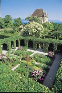 Beautiful Labyrinthe Jardin Des Cinq Sens Gallery - Amazing House ...