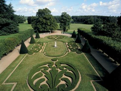 Parc et jardins de bouges bouges le chateau for Jardin 0 la fran9aise