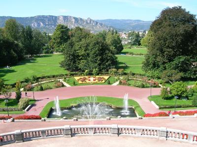 Parc jouvet valence for Piscine jardin valence