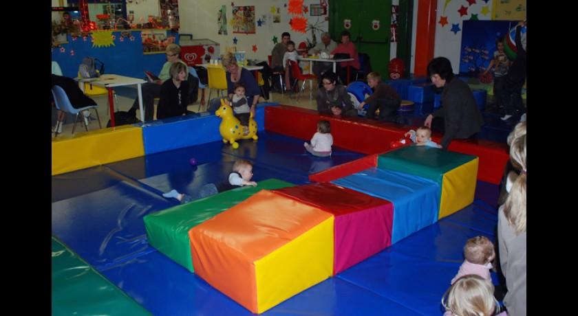 jeux et loisirs en int rieur pour les enfants arques arques tourisme. Black Bedroom Furniture Sets. Home Design Ideas