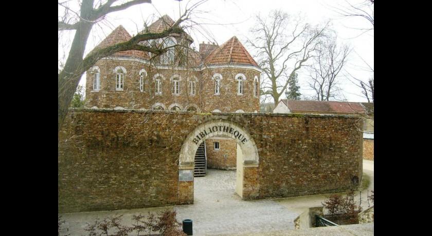 L 39 ancienne prison puis biblioth que municipale de for Architecte coulommiers
