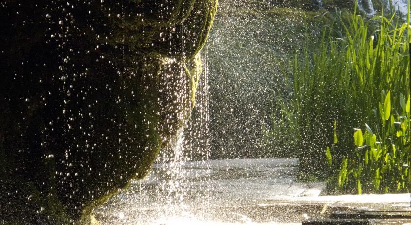 Le jardin des fontaines p trifiantes la s ne tourisme - Le jardin des fontaines petrifiantes ...
